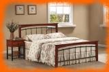 Kovová postel Argentina v kombinaci s dřevem